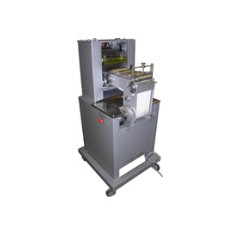 Cutting devices for bakery