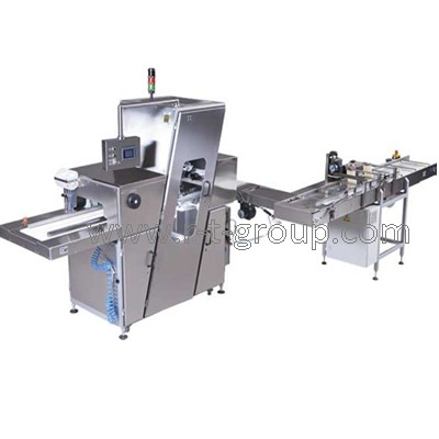 Semi-automatic line for bread slicing and packing